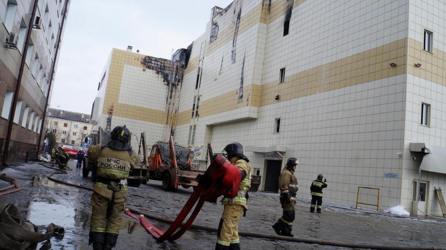 64 morts en l'incendi d'un centre comercial a Sibèria