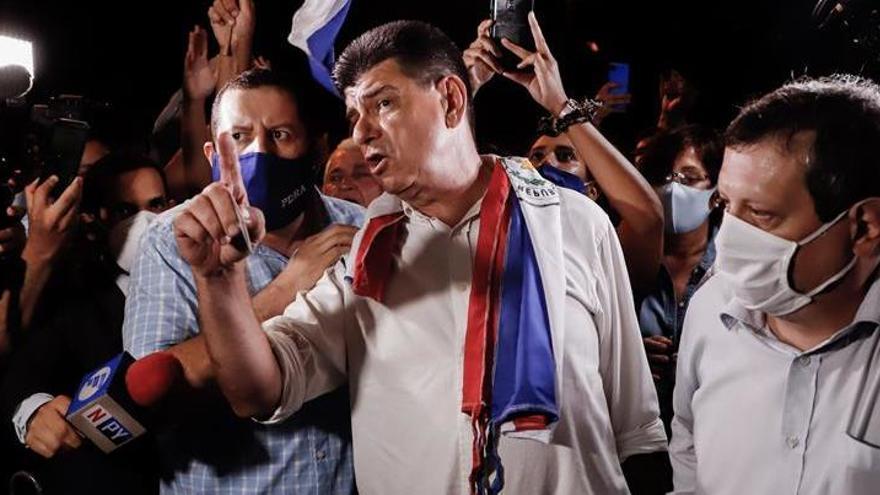 El líder opositor paraguayo Efraín Alegre ingresa en prisión