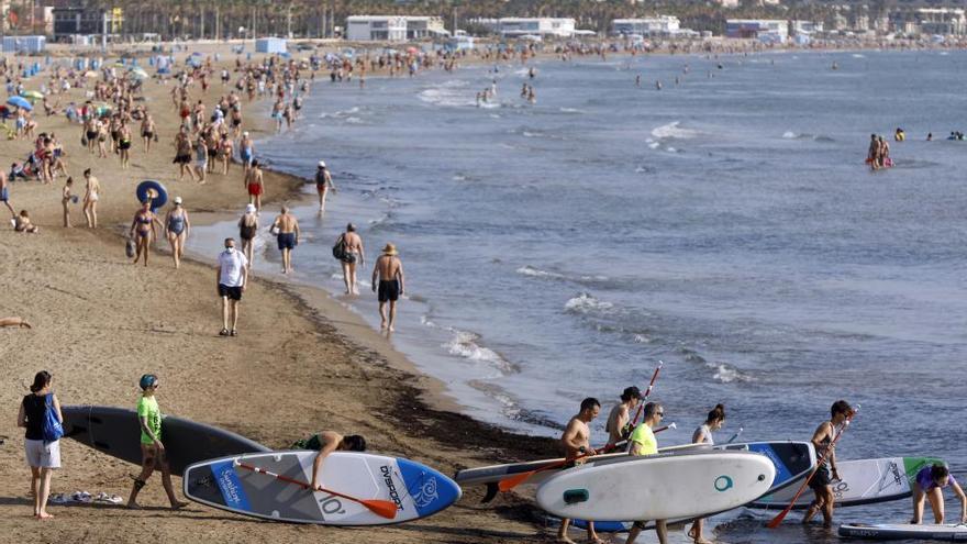 FOTOS: Playas de Valencia llenas en San Juan