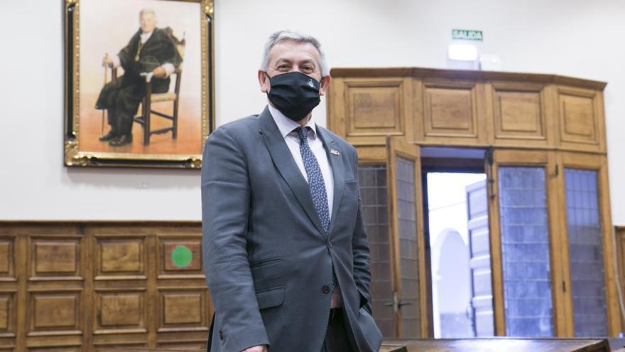 De cuerpo entero: así retrataron al ya exrector Santiago García Granda