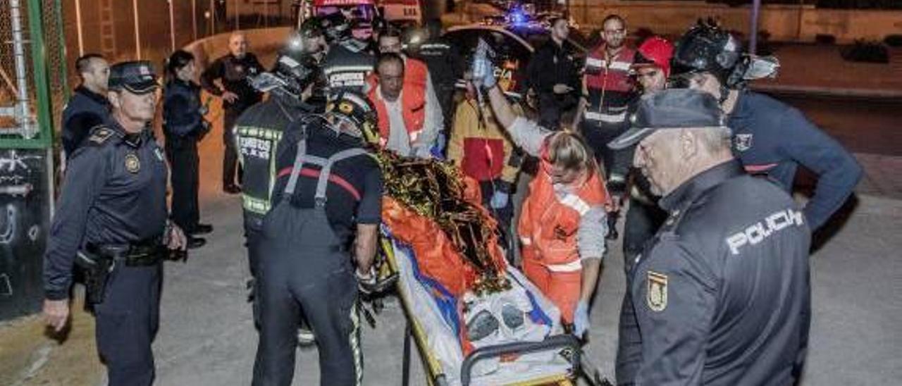 Un menor sufre una descarga eléctrica cuando saltaba sobre un vagón del AVE en Alicante