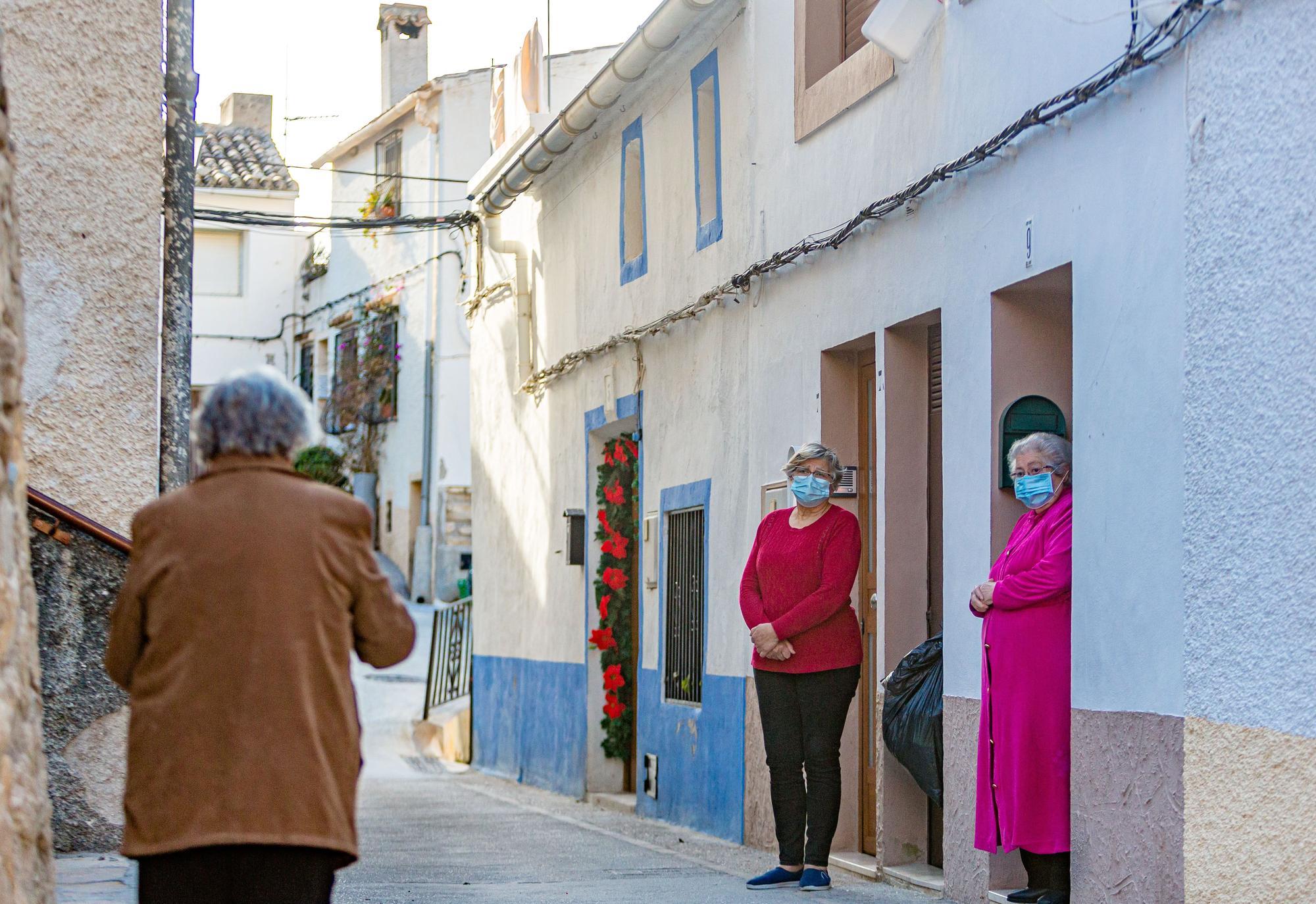 Los vecinos de Sella, entre la preocupación y el miedo ante el aumento de casos