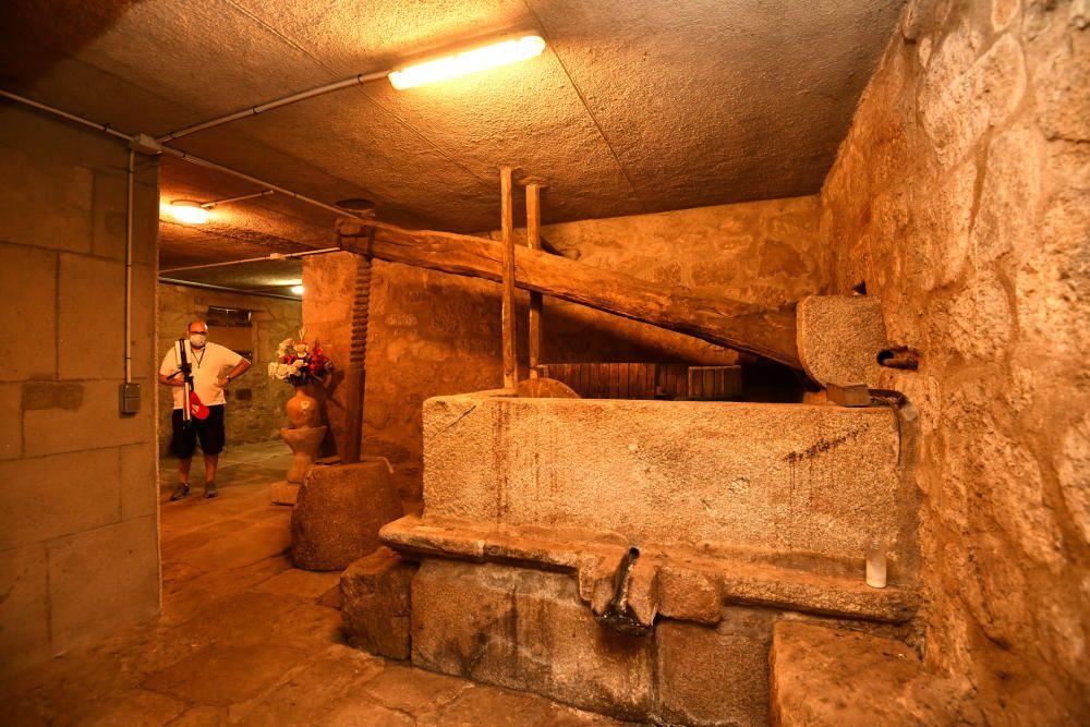 El convento de Santa Clara muestra sus tesoros a los pontevedreses