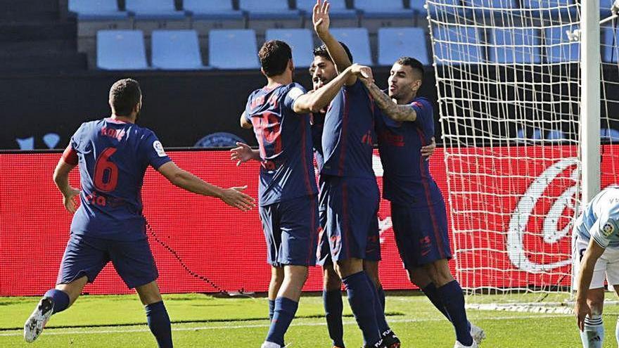 Luis Suárez relanza al Atlético en Balaídos