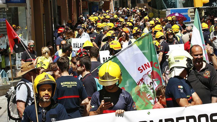 Relato de cuatro años de tensiones en los bomberos de Málaga