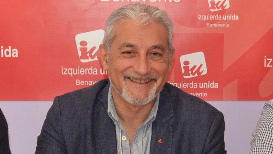 """IU Benavente critica que la Junta """"limite"""" la campaña para matrículas en la escuela pública"""