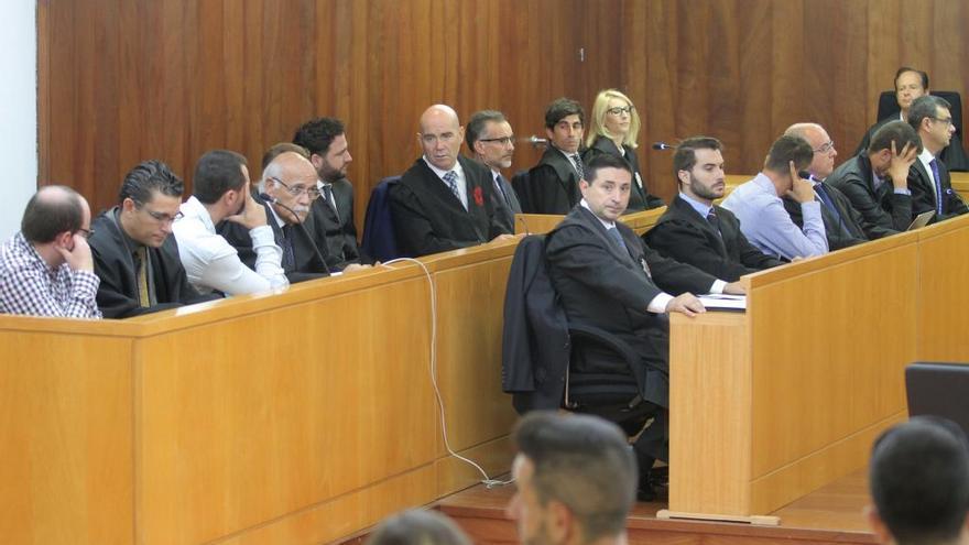 El juez da 10 días a los policías del caso Cala Cortina para ingresar en prisión