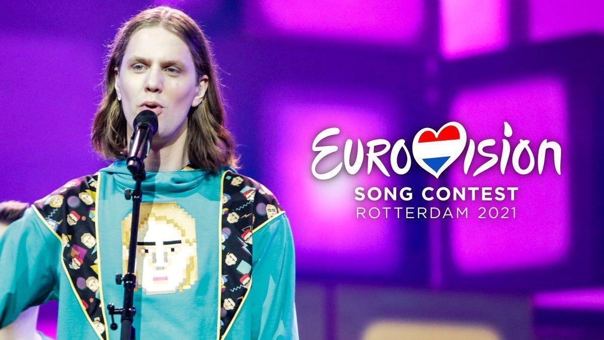 Daði og Gagnamagnið on stage at Eurovision 2021.