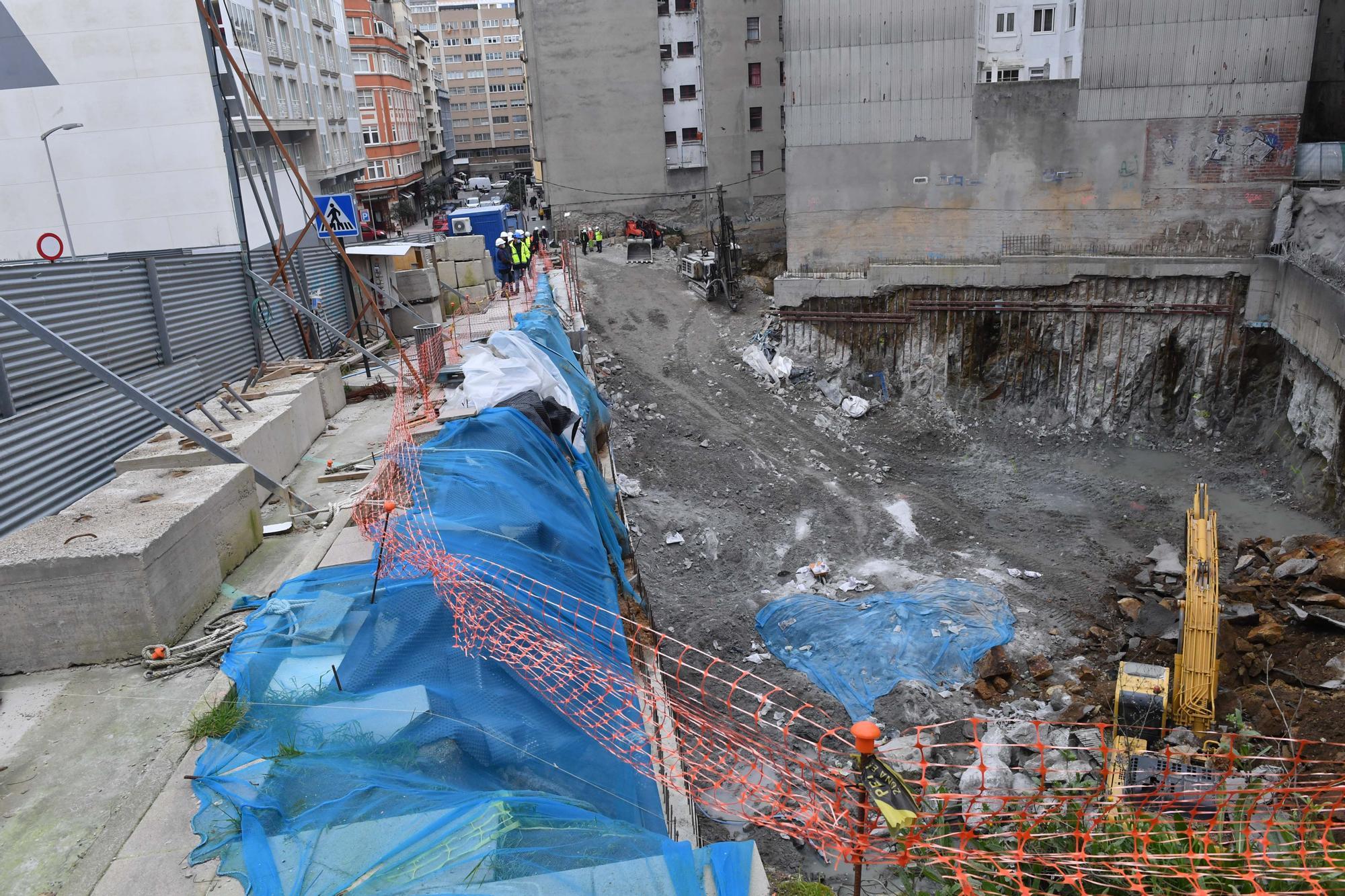 30 familias realojadas por el derrumbe de un muro en una obra en la calle Rey Abdullah
