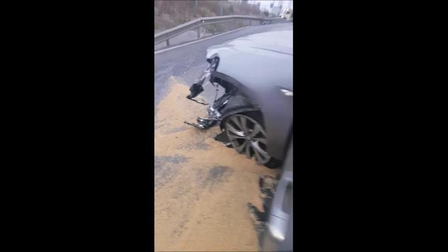 Estado en el que han quedado el vehículo del narco que embistió a la Policía Nacional en Algeciras