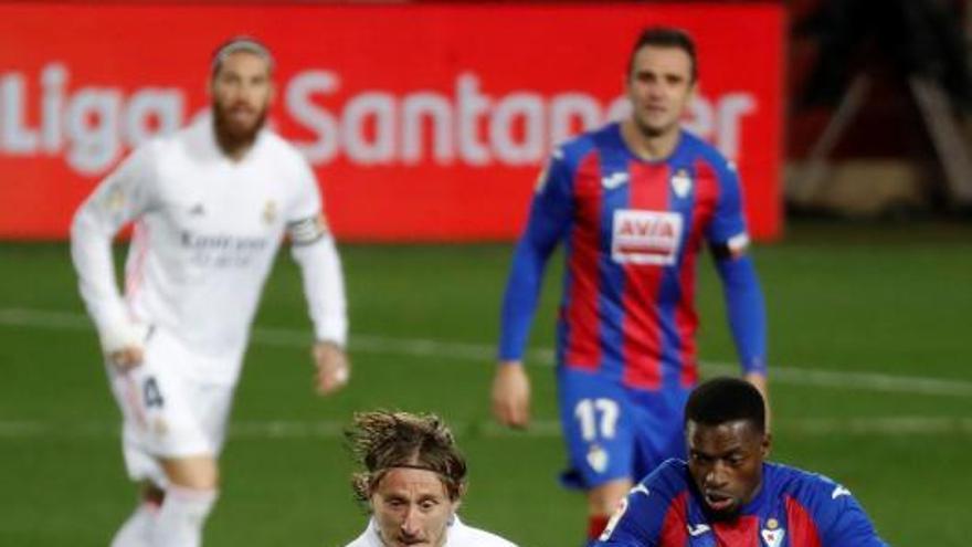 El Real Madrid derrota al Eibar y exhibe su mejor fútbol