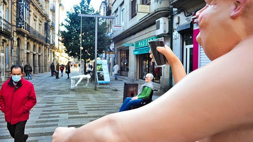 Una exposición sobre el COVID a pie de calle invita a la reflexión sobre las conductas humanas