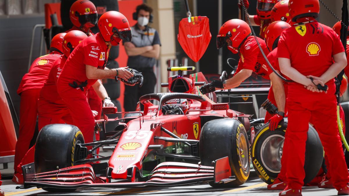 El piloto madrileño Carlos Sainz debuta con Ferrari.