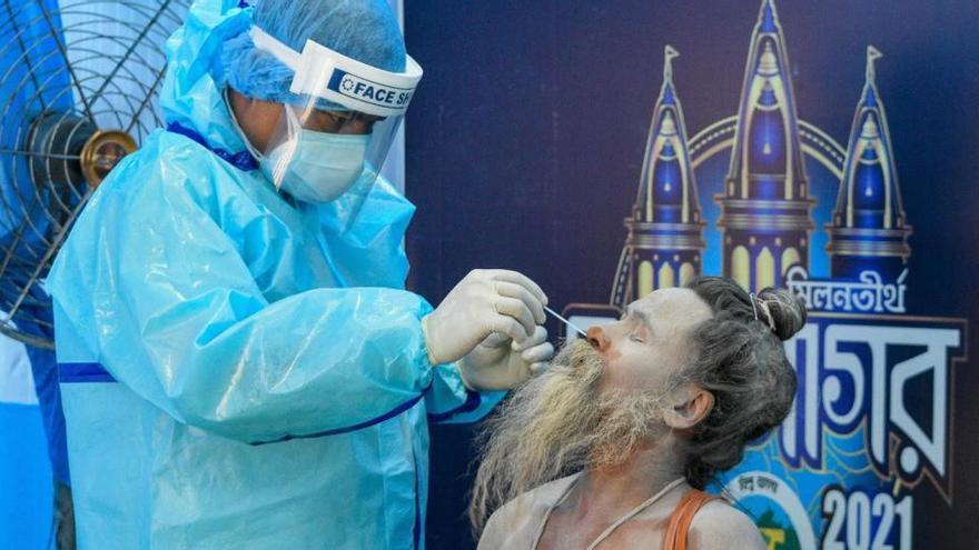 India lanza una de las campañas de vacunación más complejas del mundo