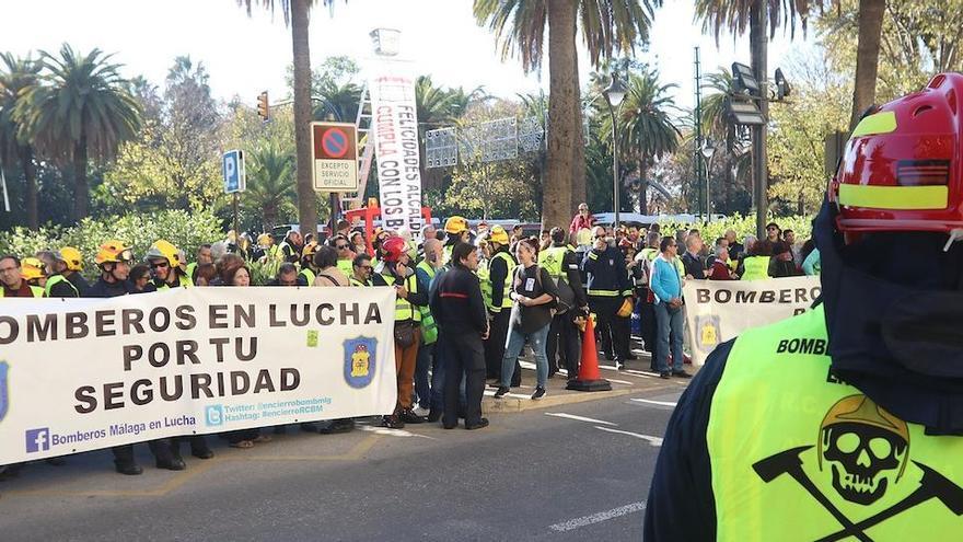 El comité de huelga de los bomberos rompe la negociación con el Ayuntamiento de Málaga