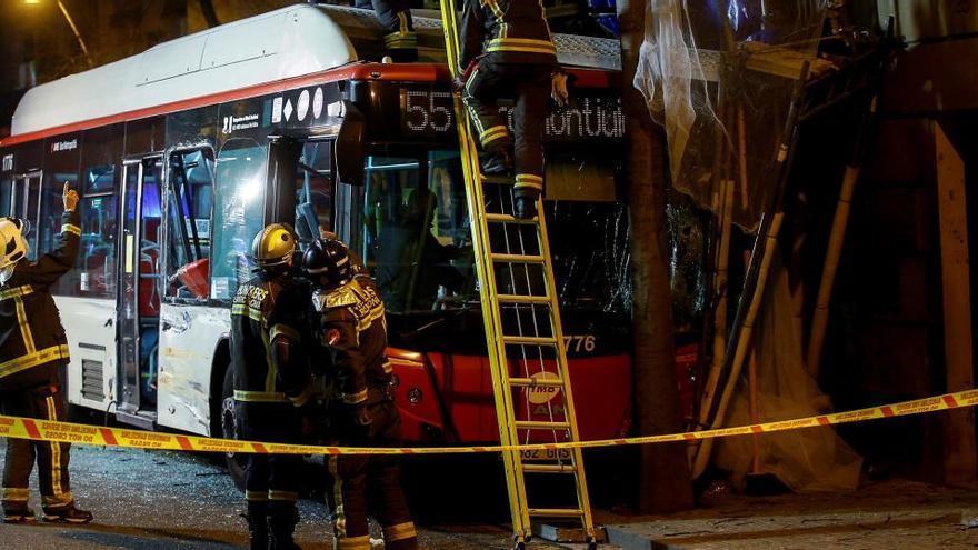 Seis heridos en un choque de dos autobuses en Barcelona