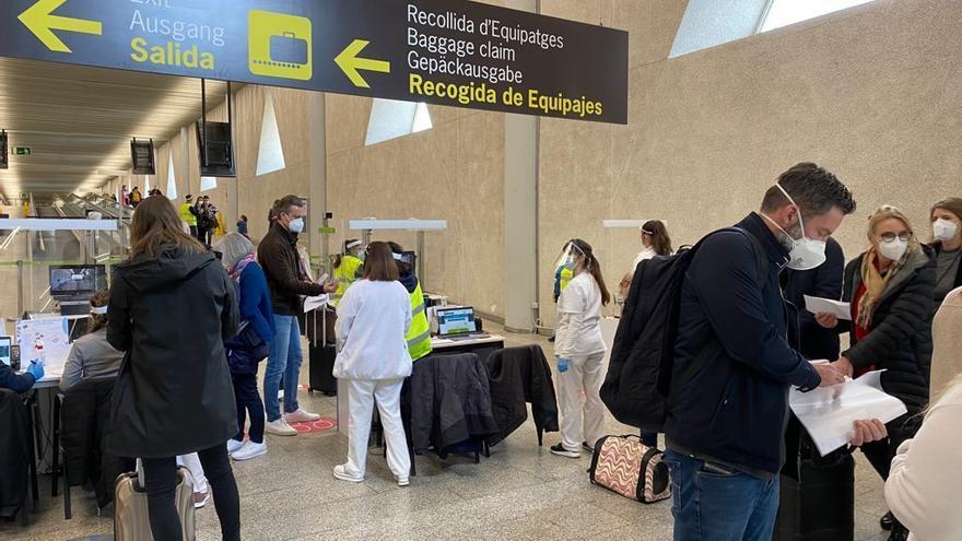 Fin de semana: El aeropuerto triplica la llegada de pasajeros internacionales al aeropuerto de Palma