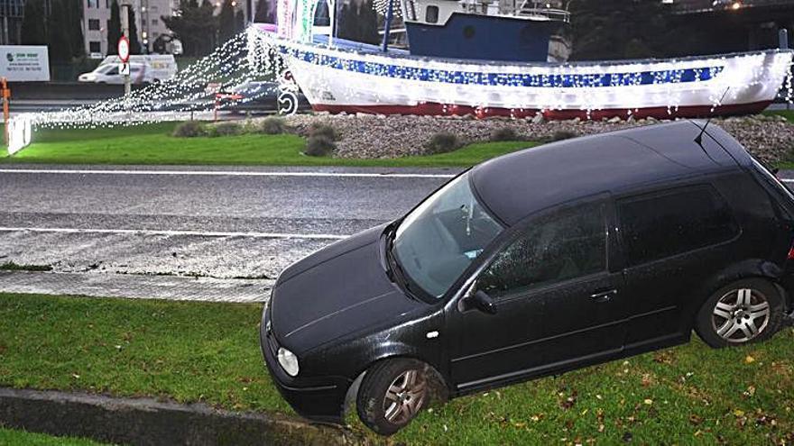 La avenida de Alfonso Molina registró dos accidentes con salidas de vía en una jornada con lluvias