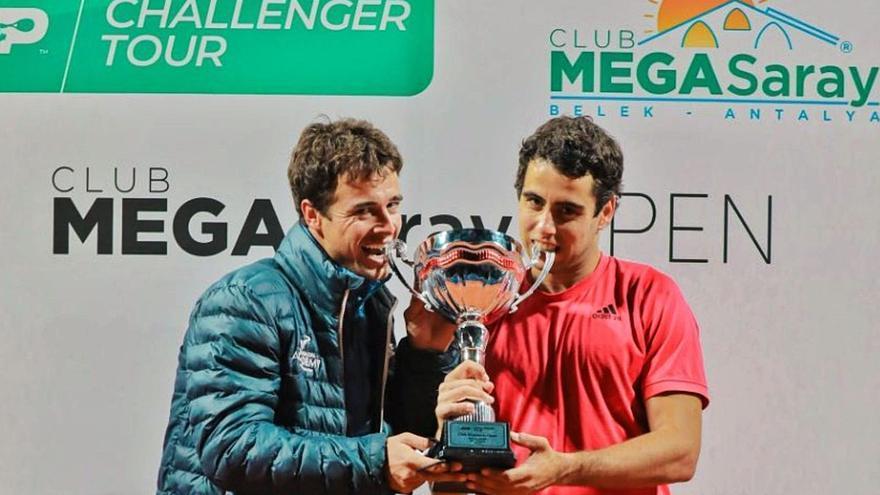 Jaume Munar estrena la temporada conquistando el torneo de Antalya en Turquía