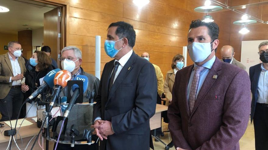 Serrano y Gómez abren las puertas del Ayuntamiento a la Plataforma Pro Soterramiento