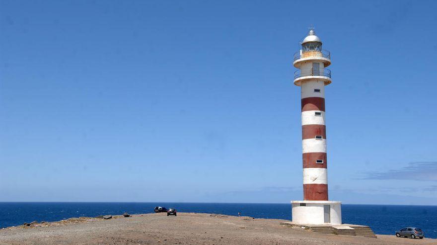 El Cabildo ultima la instalación de un nuevo mirador en el Faro de Sardina