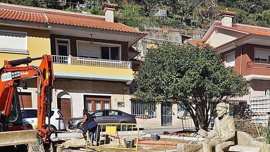 Vecinos rechazan un compostero en la Praza do Emigrante y el Concello garantiza que no generará olores