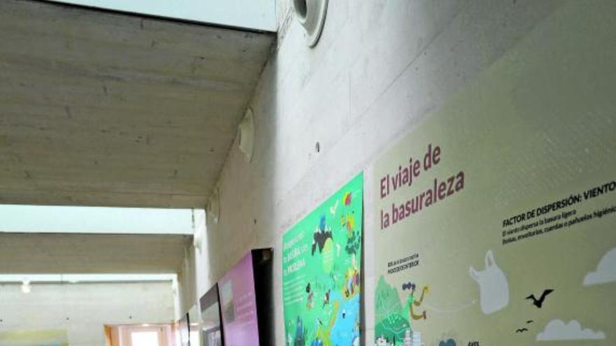El Semáforo de Peñas abre tras diecisiete años de planes como centro para divulgar la riqueza natural del entorno