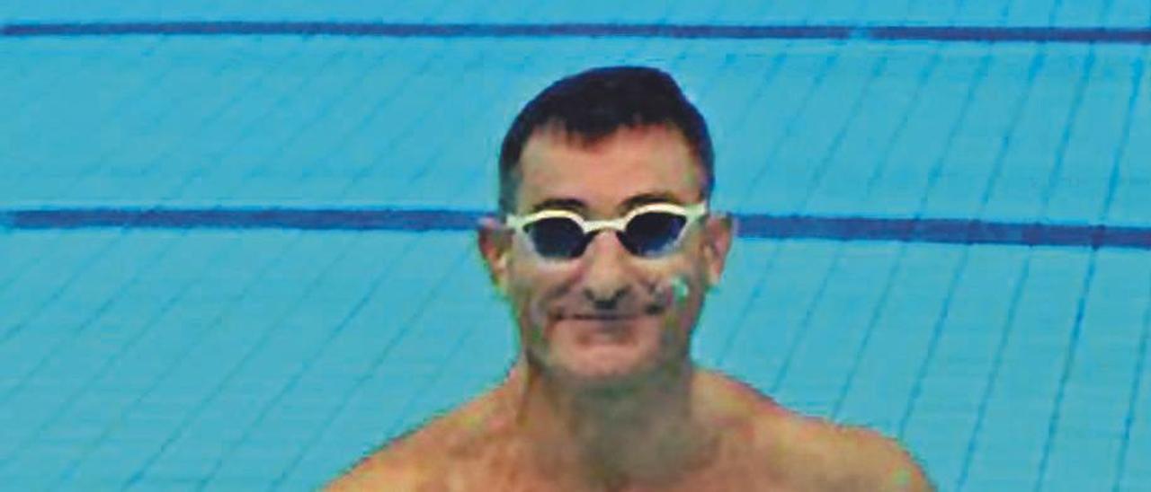 El nadador vigués Chano Rodríguez.