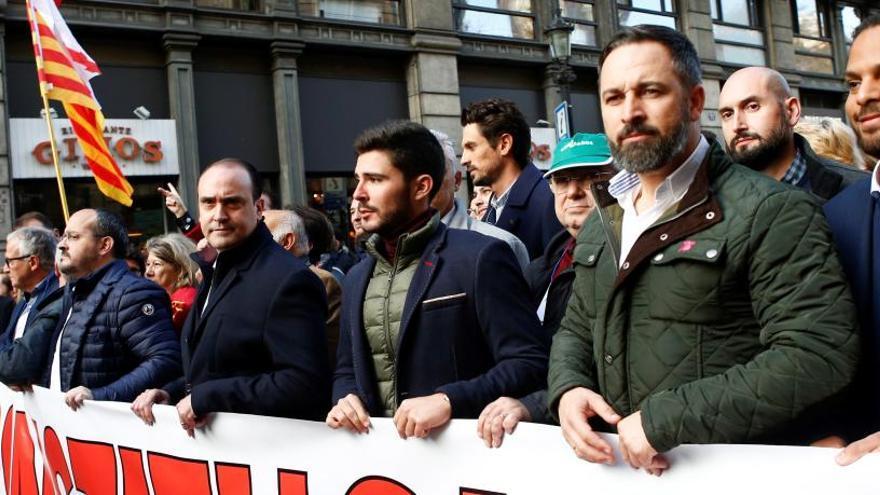 Cs deja la marcha en Barcelona por una pancarta