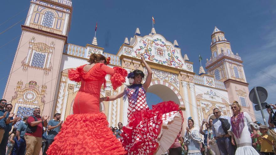 Un altre mal auguri per a celebrar les Falles al març: se suspén la Feria de Abril de Sevilla