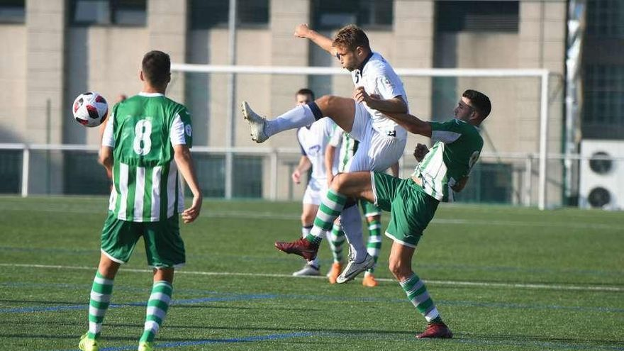 El Paiosaco se impone al Silva en A Grela con un gol de Diego Lois