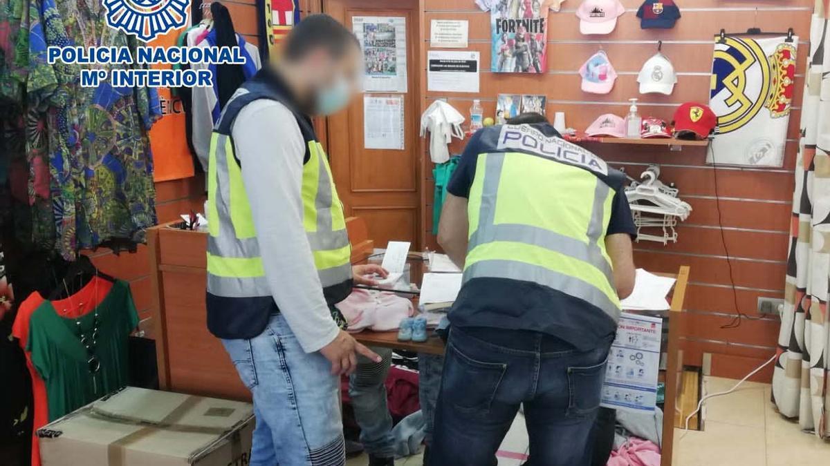 La Policía inspecciona un establecimiento en Benidorm
