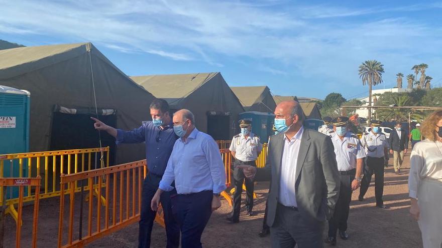 Visita del Delegado del Gobierno de Canarias al CATE de Barranco Seco
