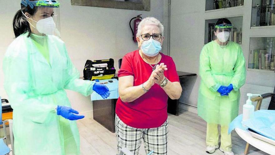 Medio millón de gallegos de más de 70 años recibirán la vacuna del COVID a partir de marzo