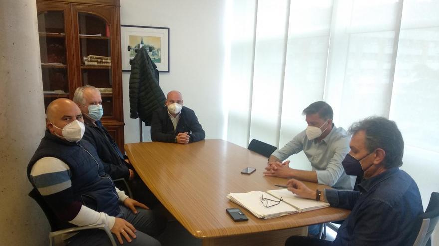El alcalde de Gozón reclama la convocatoria de la Mesa del Aluminio en Madrid