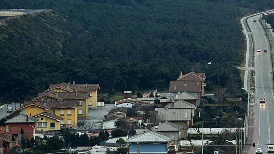 El edil de Obras afirma que el saneamiento de San Juan tiene el permiso de Costas y la CUOTA