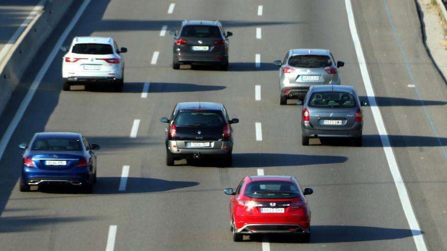 Trànsit prohibirà als camions circular per l'AP-7 els diumenges , segons els transportistes