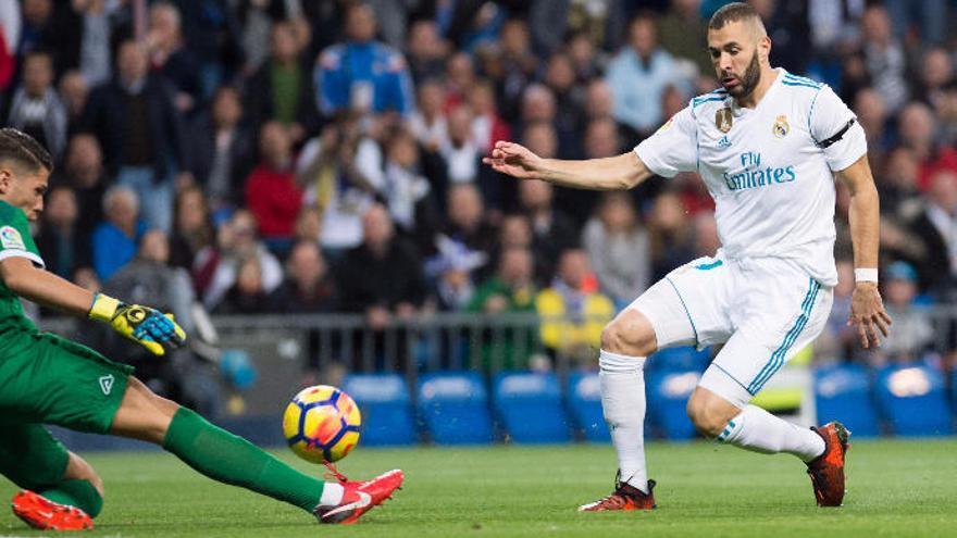 Raúl Lizoain, ante Cristiano, Benzema y Kroos, entierra el debate de la portería