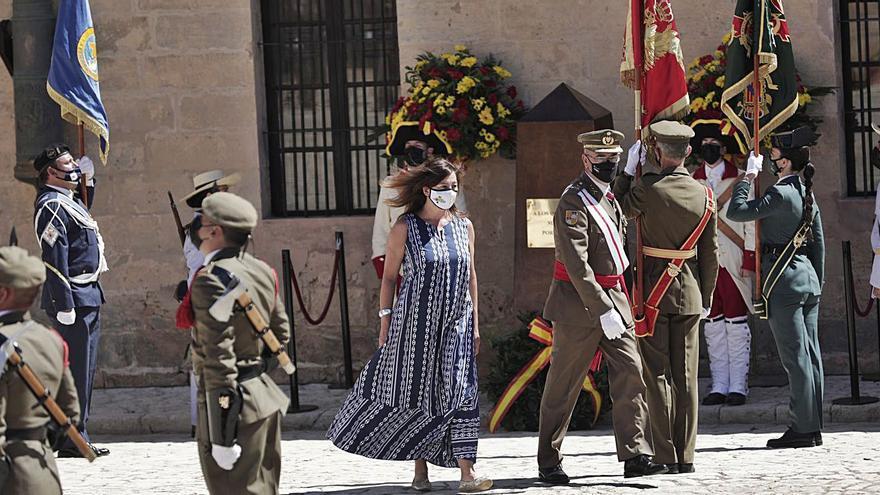 Celebración del Día de las Fuerzas Armadas en el castillo San Carlos