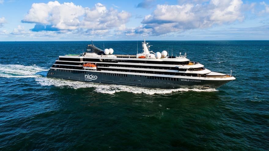 Nicko Cruises se estrena en Canarias con el lujoso 'World Voyager'