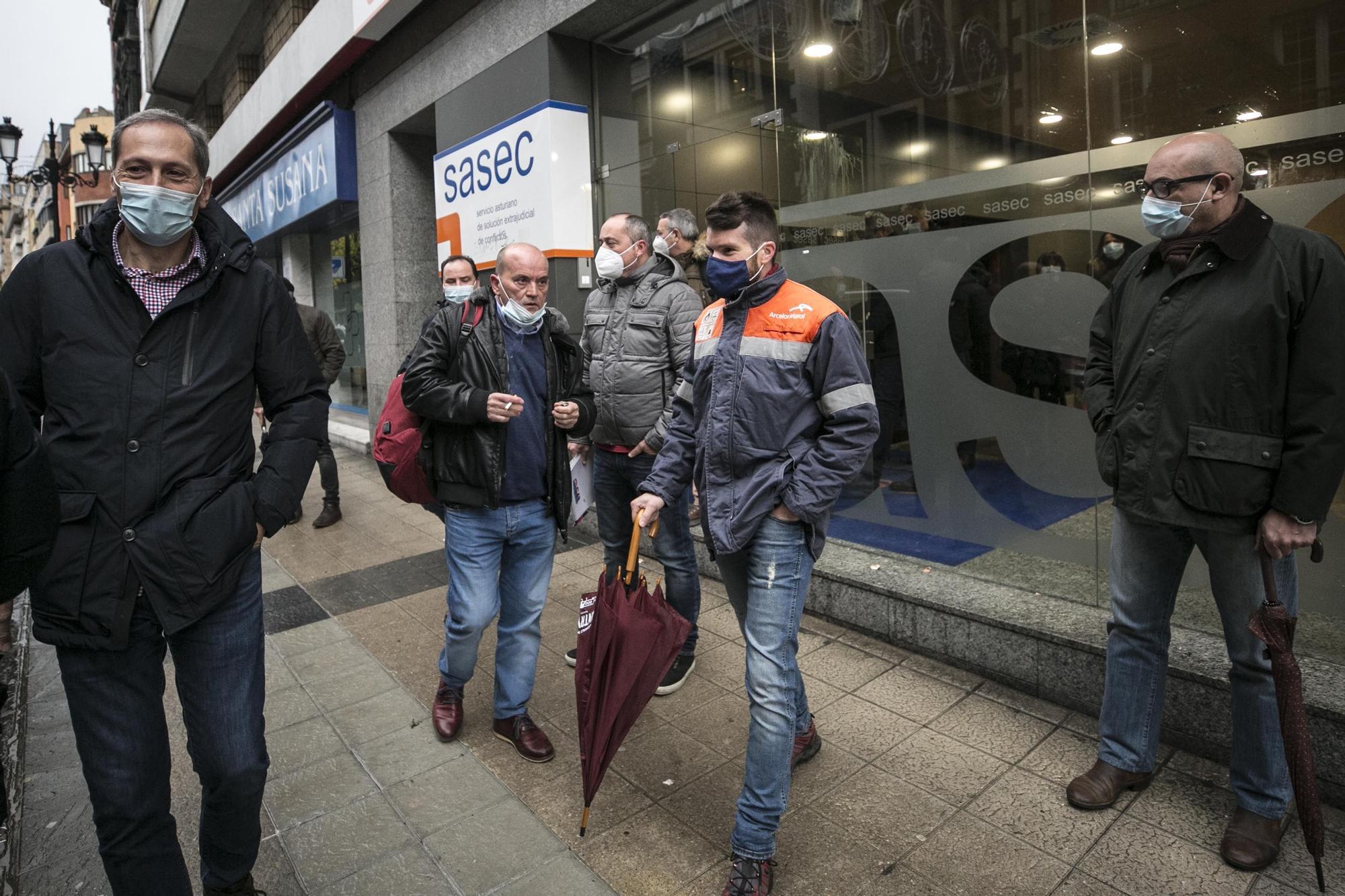 Tensión en el inicio de las negociaciones con Arcelor
