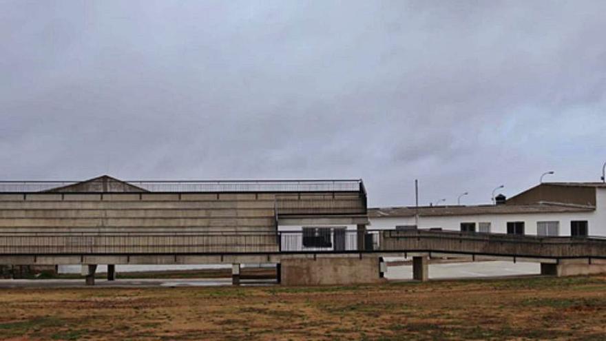 Entregadas las obras de instalación de gradas en la zona de la Rosaleda de Benavente