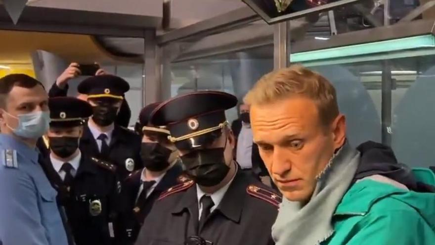 Navalni, detenido nada más pisar Rusia