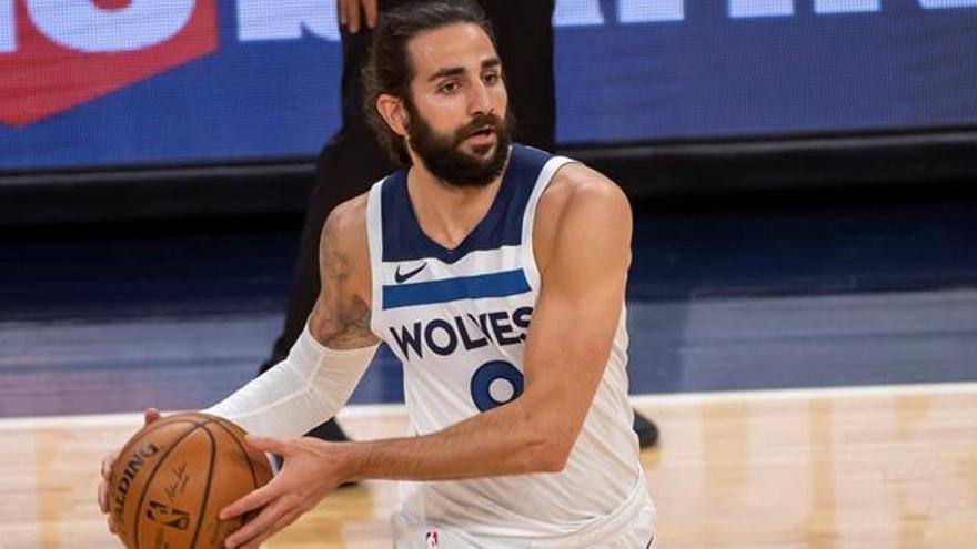Los Wolves ganan a los Kings en la vuelta de D'Angelo Russell