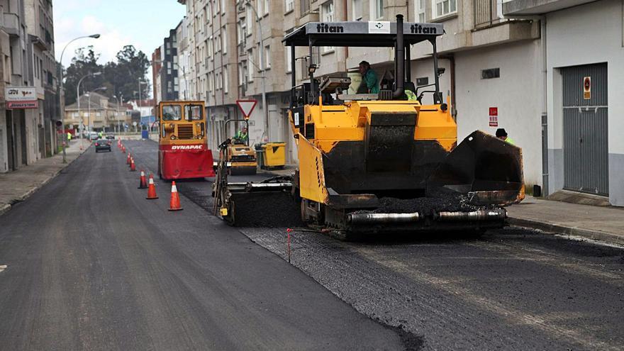 A Estrada destinará este verano casi dos millones de euros a mejorar su red viaria