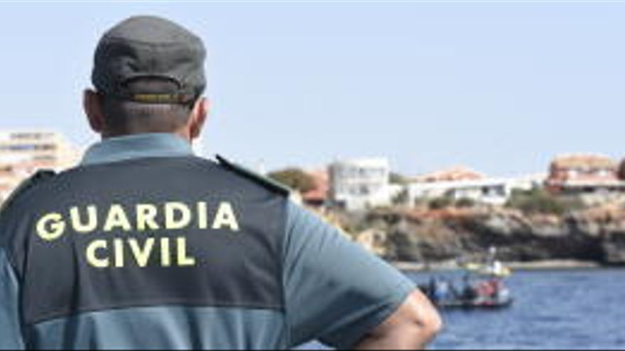 Absueltos dos guardias civiles de colaborar con unos narcos tras anularse unas escuchas
