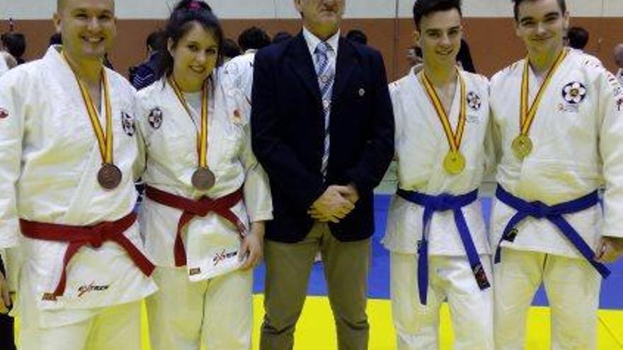 Els cinc representants de la SA Súria tornen de l'estatal  de Navalcarnero amb medalla