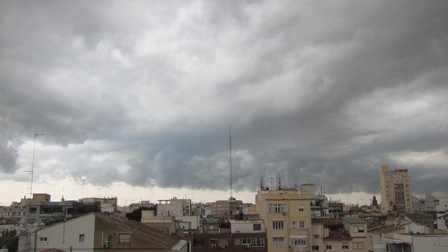 El tiempo en València mañana: Siguen las cielos cubiertos y temperaturas en ligero ascenso