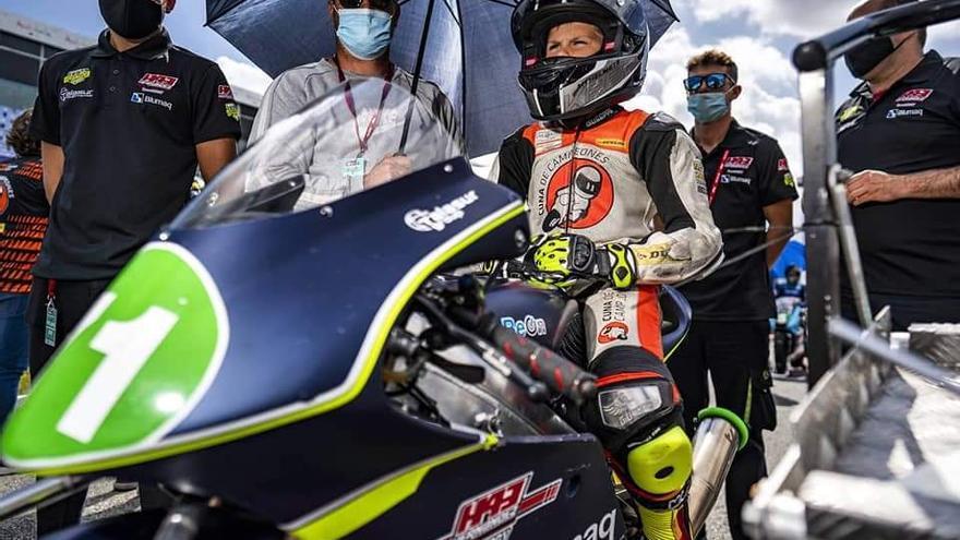 El murciano Carlos Cano roza el podio en su estreno en Moto4