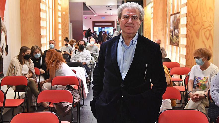 César Antonio Molina defiende en el París el valor de la cultura